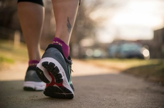 WHICH TYPE OF RUNNING SHOE IS RIGHT FOR YOU